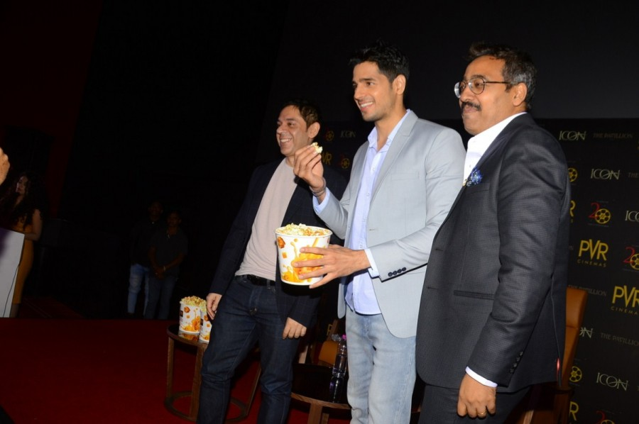 Sidharth Malhotra Inaugurates New PVR Icon at the Pavilion Mall