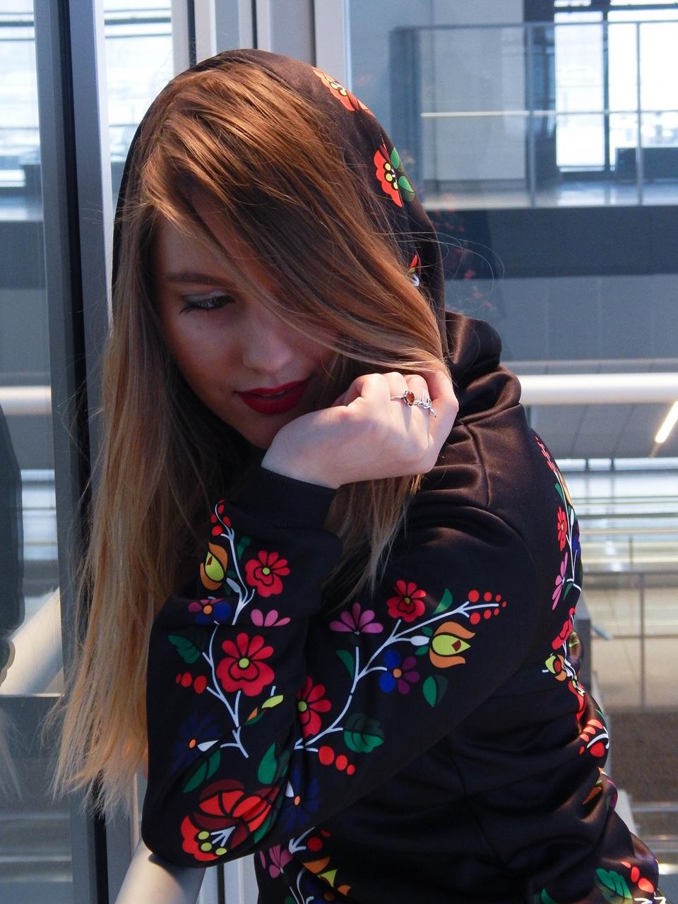 f11-2 folk by koko recenzja opinie ubrania folkowe łowickie motywy bluza góralska sukienka kodra łowicka folkowe ubrania moda ludowa pomysł na prezent fashion blog melodylaniella łódź dworzec łódź fabryczn