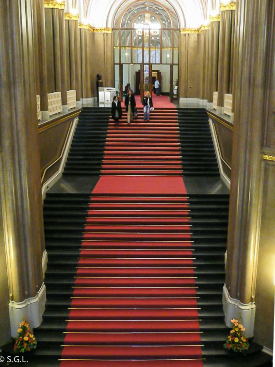 Escalera ayuntamiento de Berlin