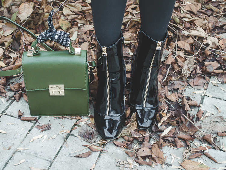 fashion blogger diyorasnotes khaki coat asos grey beret yoins patent boots