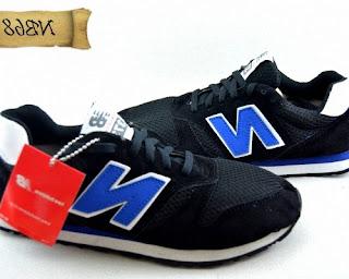 sepatu new balance hitam