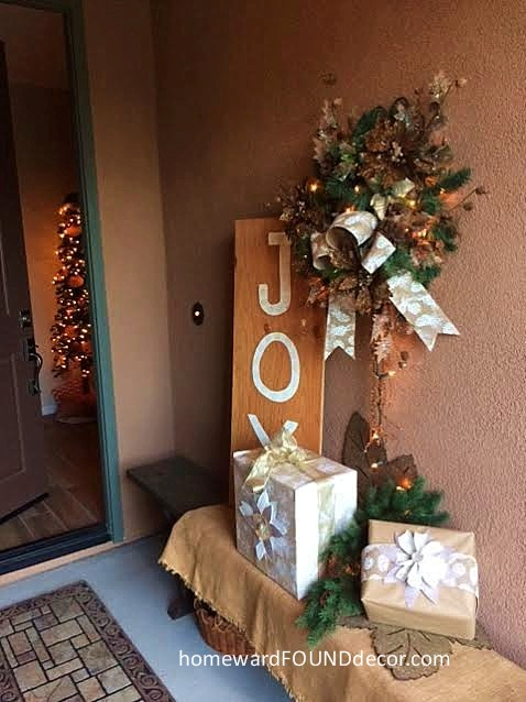 christmas wreath old sign porch decor