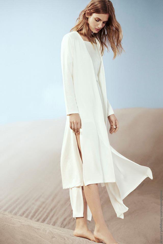 Túnicas y sacos con tajos laterales moda mujer verano 2017. Moda mujer verano 2017.