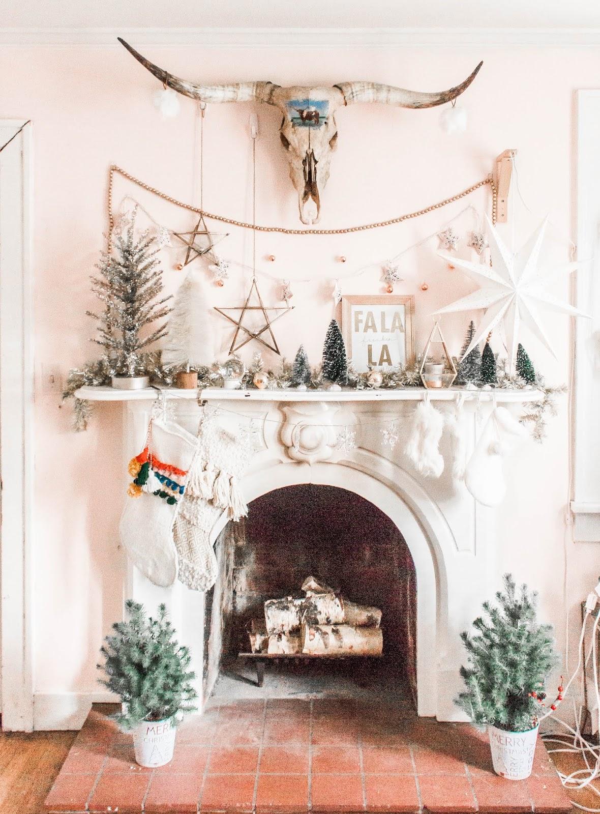 timeless design 86972 a1c52 10 Christmas Decorations For a Boho Fireplace