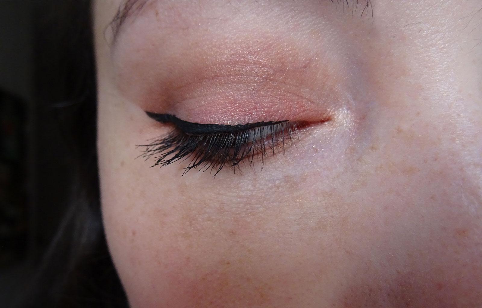 Eyeliner Schwing The Balm