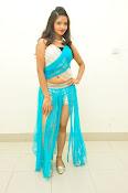 Shreya Vyas latest sizzling pics-thumbnail-1