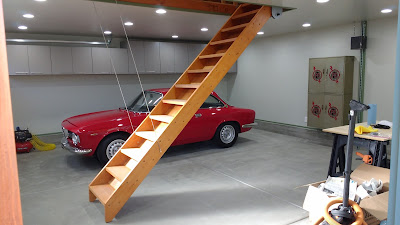 Incroyable Most People With Attics Have Used Those Weak And Narrow Pull Down Folding  Or Telescoping Stairways.