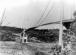 El puente de Tacoma Narrows (Washington, EEUU)