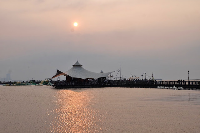 foto sunset di ancol