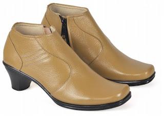 Sepatu Kerja Boots Wanita PUC 706