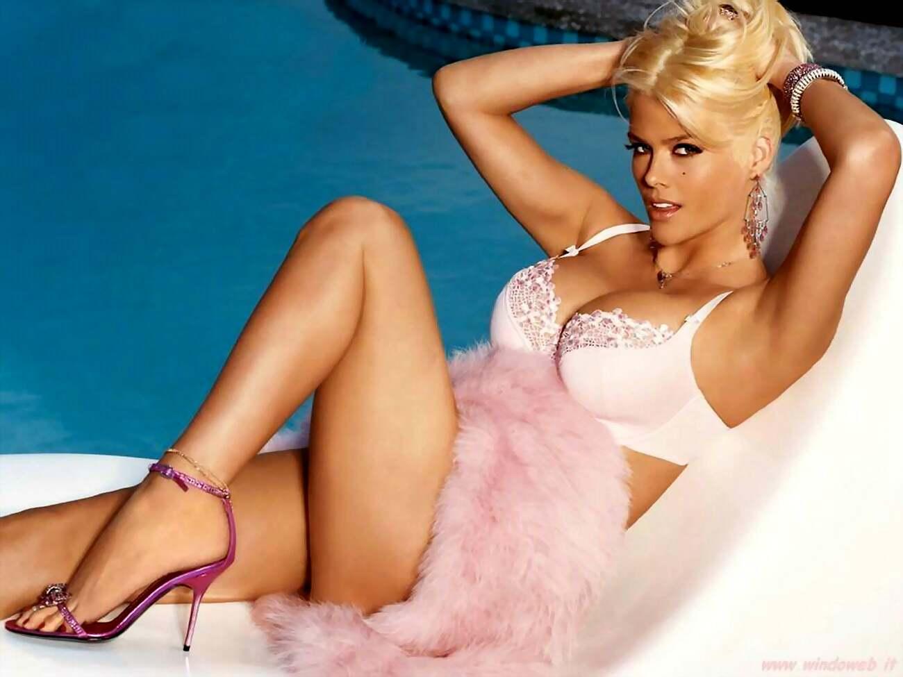 The Fall Film Wallpaper Anna Nicole Smith Fashion Style