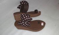 Sandal Pita Jempol Lucu (Wedges Sandal Wanita)