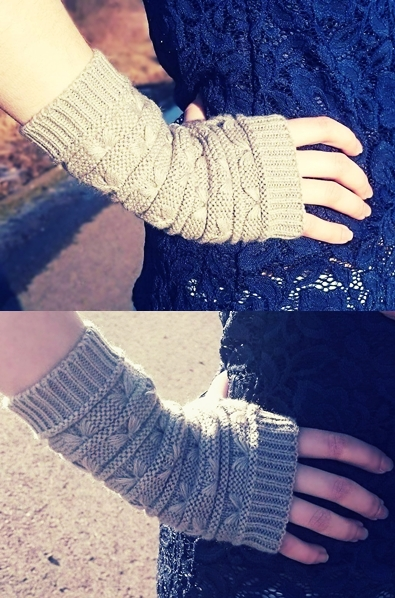 Pair of Casual Stripy Crochet Knitted Fingerless Gloves, sammydress