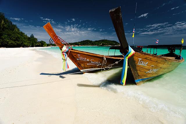 Phi Phi Island, 2 Pulau Terindah di Phuket