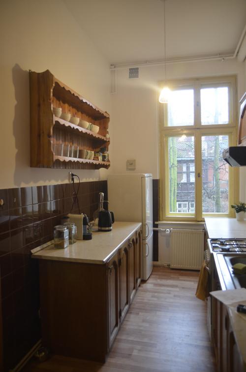 jedna z dwóch kuchni w mieszkaniu