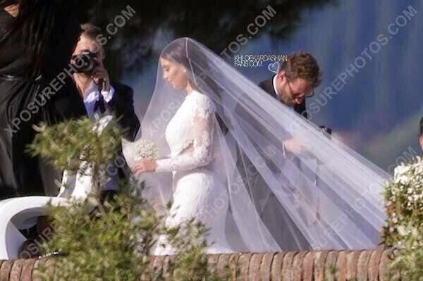 a483e64a1c Check Out Kim Kardashian's Givenchy Wedding Dress!! - Gistmania