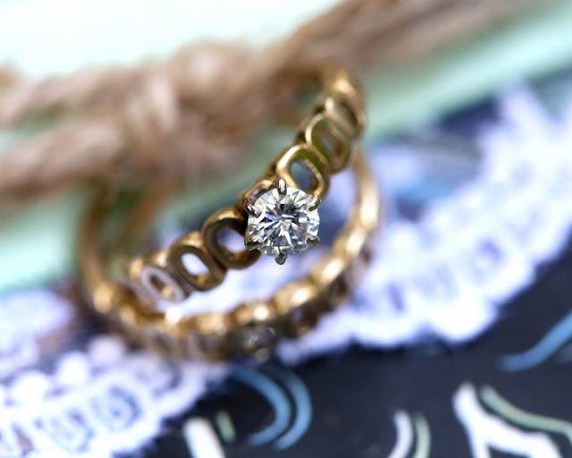 bride+groom+peter+pan+themed+neverland+wedding+tinker+bell+fairytale+princess+wendy+darling+captain+hook+fairy+dust+green+rustic+andy+sams+photography+4 - Neverland