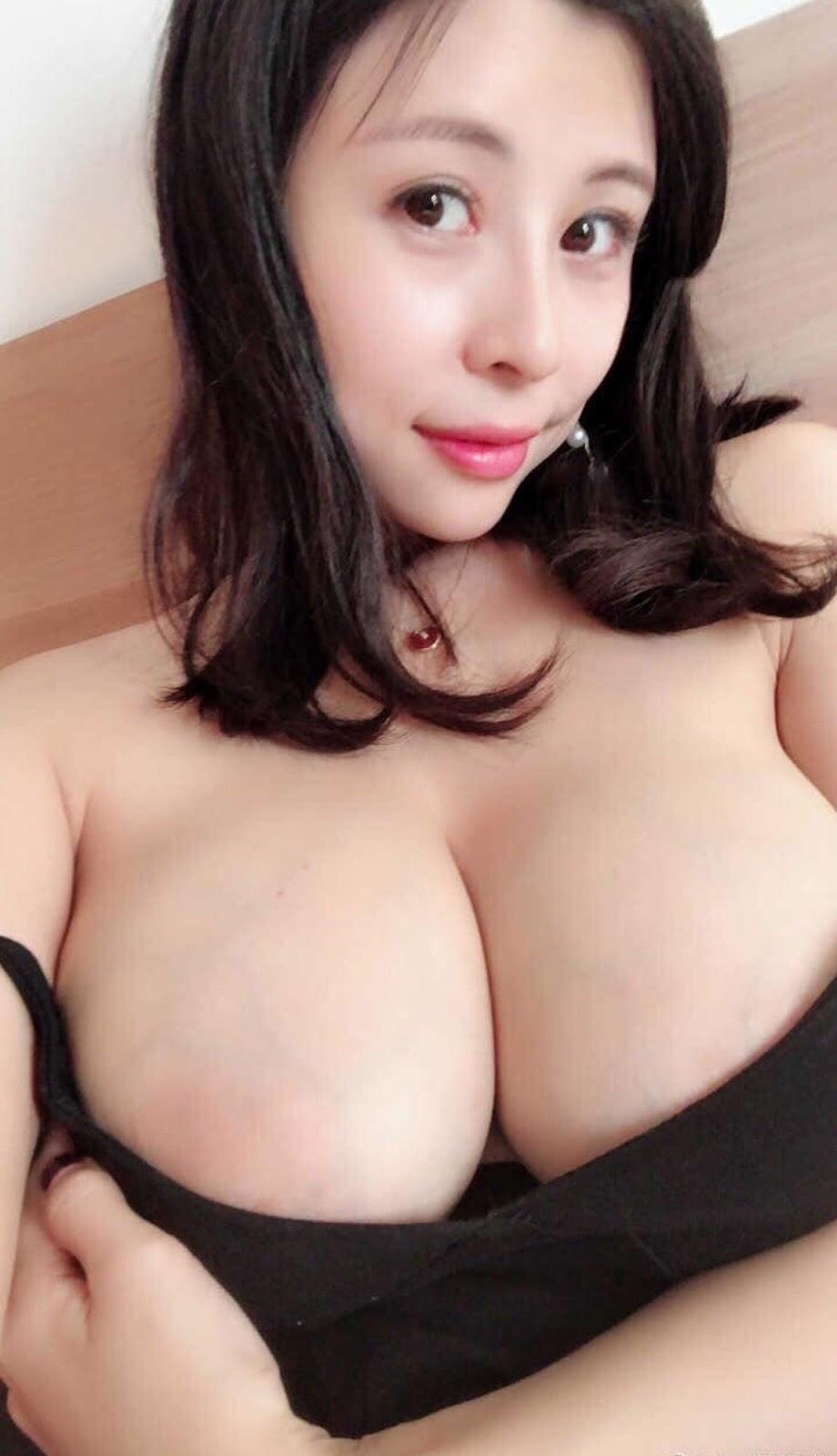 aHR0cHM6Ly93d3cubXlteXBpYy5uZXQvZGF0YS9hdHRhY2htZW50L2ZvcnVtLzIwMTkwOC8yMC8wODM0MDRpdHZsczY1NTd2bm9kZHo1LmpwZy50aHVtYi5qcGc%253D - 成都瓶儿 - Chengdu Pinger big tits selfie nude 2020