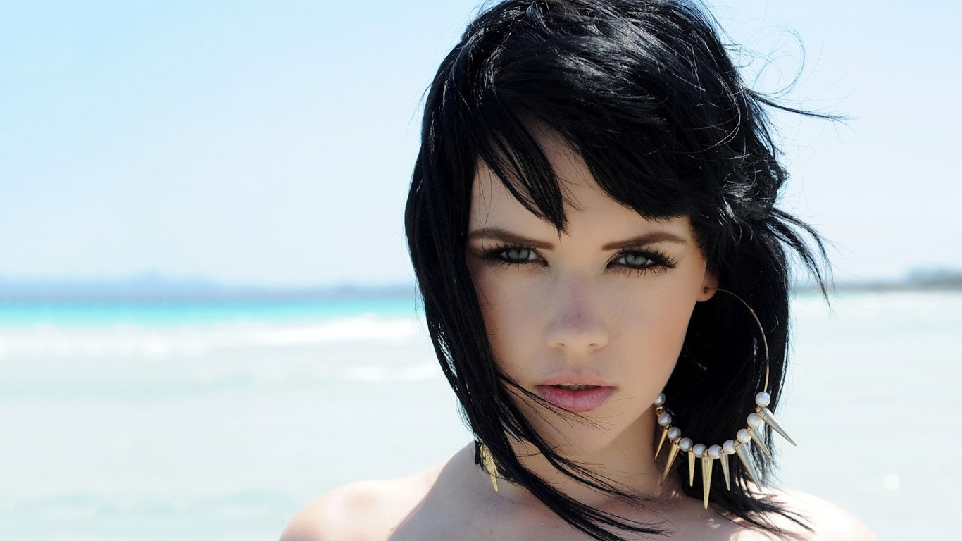 Girl With White Hair And Blue Eyes Wallpaper Celebrity Pics Mellisa Clarke