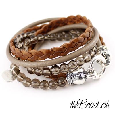 Wickelarmband und Lederarmband mit Perlen und Lederschmuck sowie Silberschmuck aus der Schweiz theBead