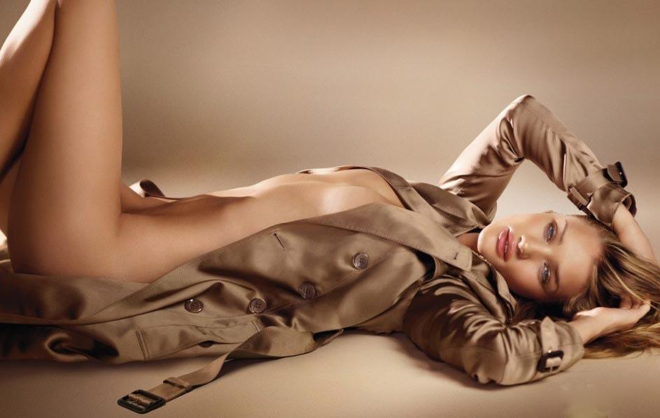 Yonomeaburro Rosie Huntington Whiteley Se Desnuda Para Burberry A
