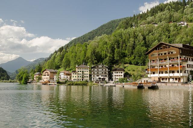 Alleghe lago Dolomitas Italia