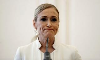 Cristina Cifuentes, en la comparecencia en la que anunció su dimisión. EFE