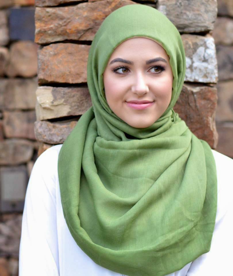 670a28ee375 Hijab chic - Comment mettre le foulard hijab