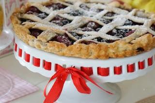 Vyšnių ir varškės pyrago su trupiniais receptas