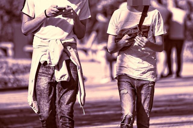 Opole: 14 i 16. latek napadli na dzieci. Szarpali je, grozili nożem i okradli