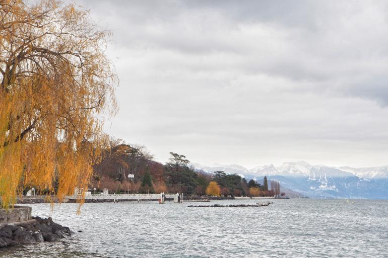 Lac Léman à Lausanne en Suisse en automne