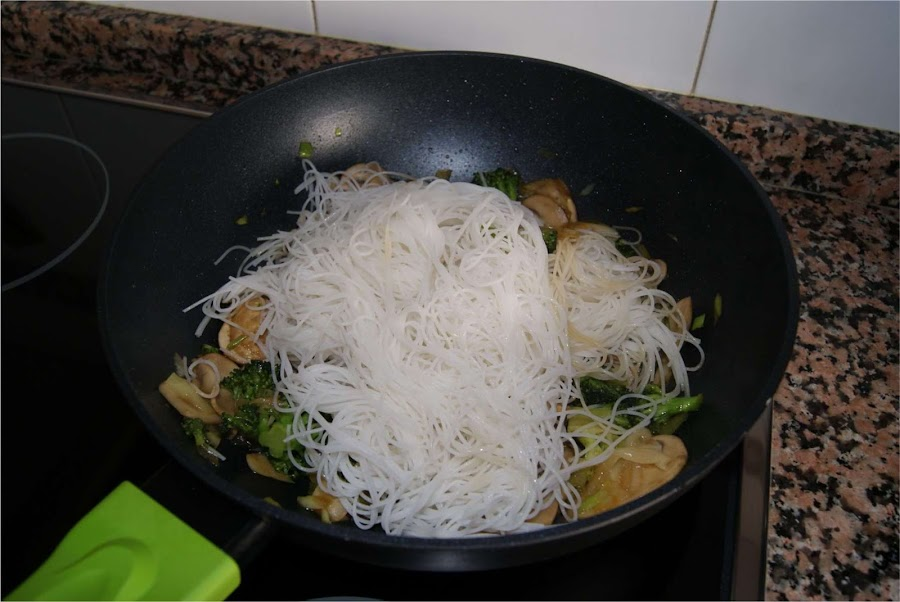 fideos de aroz con verduras paso 5