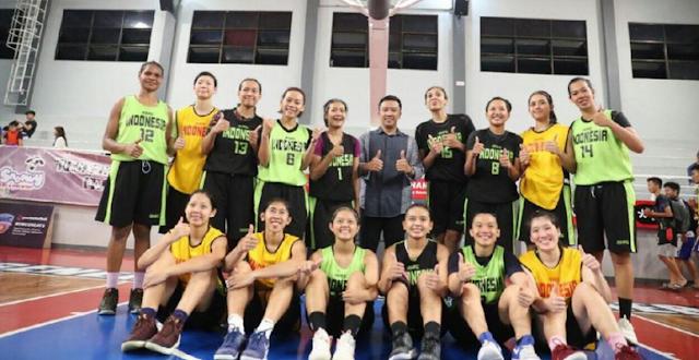 AGEN BOLA - Menpora Imam Nahrawi Kunjungi Pelastnas Basket Putri