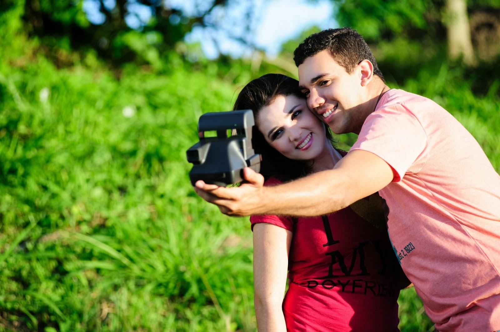 esession-casal-fotografos-noivos-camera