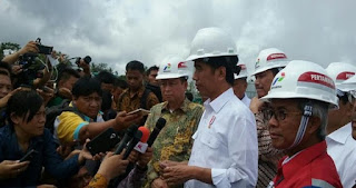Presiden Minta Regulasi Izin Tenaga Kerja Asing Masuk Indonesia Dipermudah