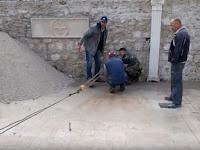 Radovi u dvoru župne kuće Pučišća slike otok Brač Online