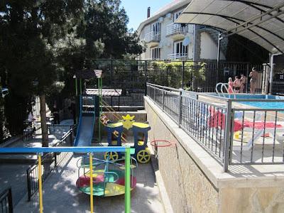 Детская площадка Гостевого дома у парка Семидворья