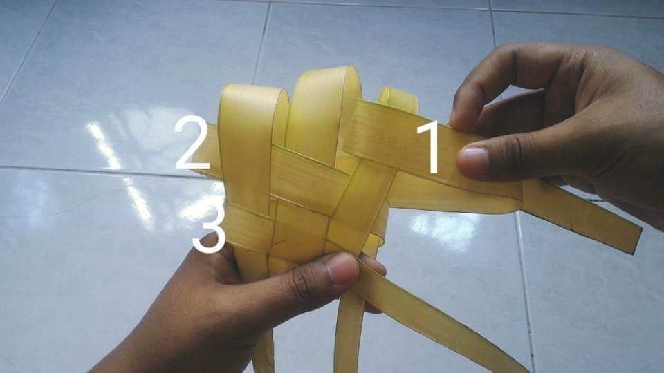 Cara Membuat Anyaman / Bungkus Ketupat