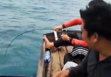 Oke Patahkan Barang Tu Strike Ikan Kerapu Mancing Dasaran