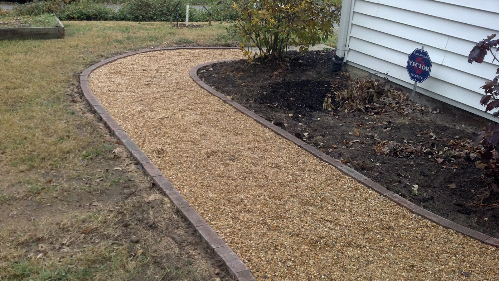 Gravel Lok Life Time Pavers: Pea Gravel Patio & Walkways With Brick