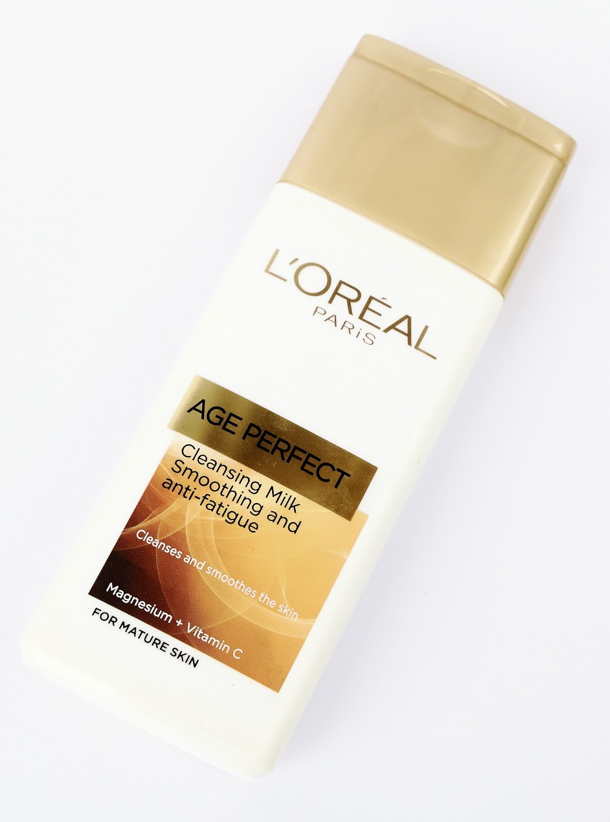 Beauty Shout Box: L'OREAL AGE PERFECT CLEANSING MILK {REVIEW}
