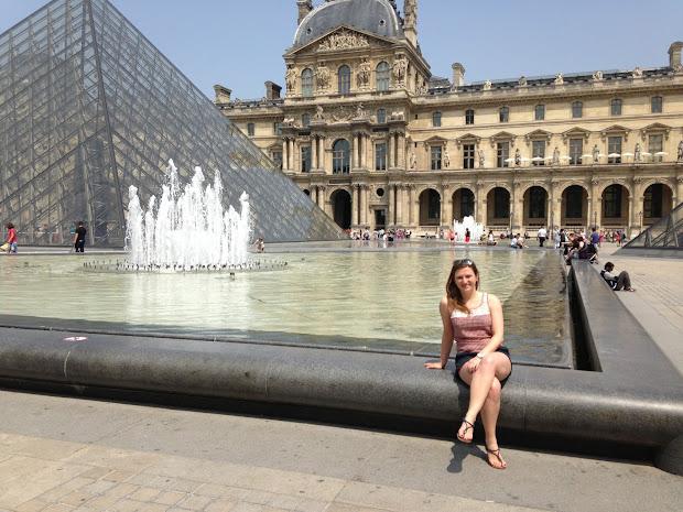 Gogoem Importing Friends In Paris