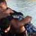 """Navales detienen a """"roba celulares"""" de Veracruz; intentó escapar dentro de laguna de Malibrán"""