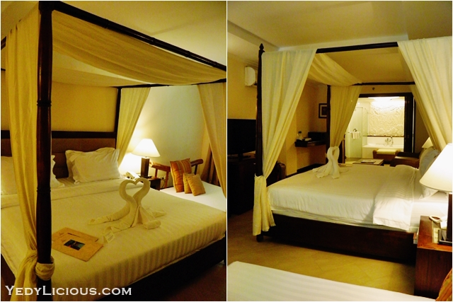 King Sized Canopy Bed Grand Deluxe Poolside Room at Boracay Mandarin Island Hotel