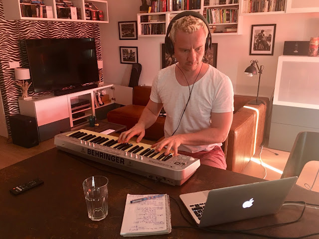 Teaser - Musique - Music - Composing