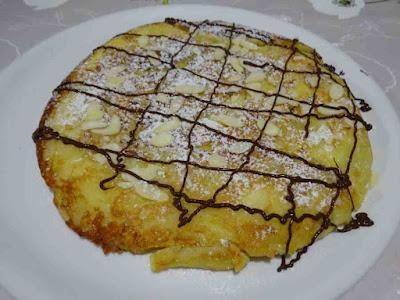 omelette sucrée pomme poire beignet  gâteau à la poêle