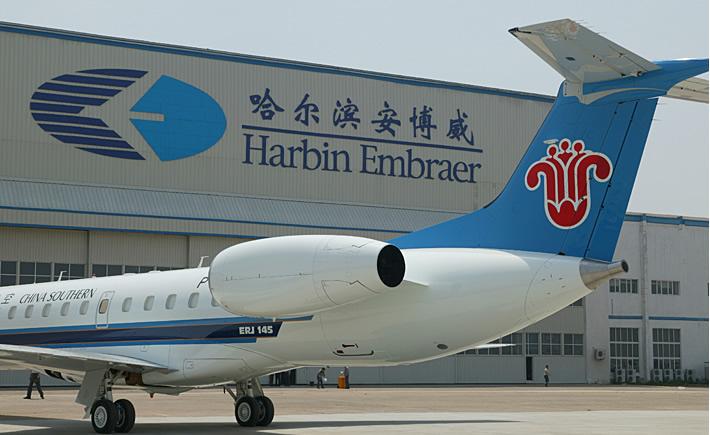 Entrevistado en el marco de Colombiatex de las Américas 2018, Julio G. Bitelli, afirmó que Embraer registra un crecimiento en el mercado chino por la adquisición de aviones para vuelos regionales. (Foto: Embraer)
