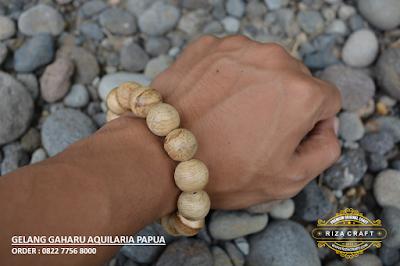 Gelang Kayu Gaharu Papua