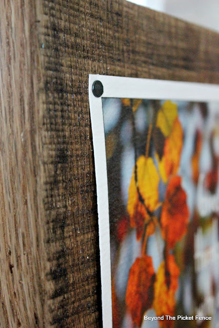 fall printable, fall sign, barn wood, tacks, easy sign, fall leaves, give thanks, https://goo.gl/JLG2gQ
