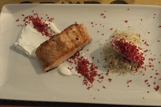Restaurant Crudo salmon